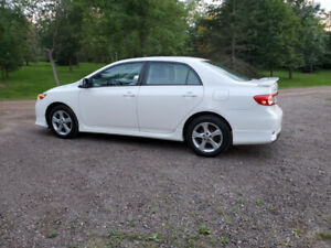 2013 Toyota Corolla Sport  One owner non smoker