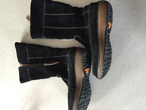 Timberland women's boots size 8
