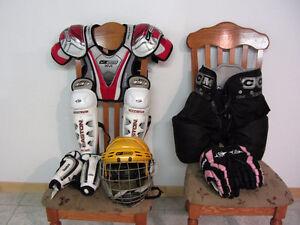 Équipements de hockey junior (ferme)