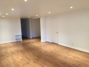 MONTREAL - APARTMENT FOR RENT 4 1/2 LOGEMENT A LOUER TOUT INCLUS