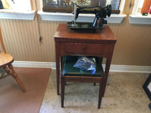 Antique Singer Sewing Machine with table and bench