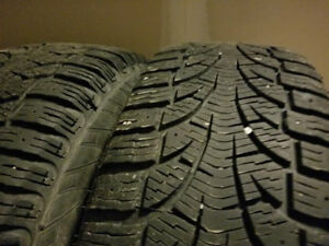 215/65/16 Pirelli Carving Edge Winter Tires (on 5x114)