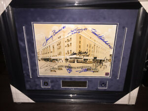 AUTOGRAPHED MAPLE LEAFS GARDENS PHOTO