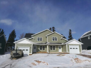BRAND NEW DUPLEX UNIT AVAILABLE FEBRUARY 15th, 2019
