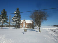 LUXURY  ORO MEDONTE FARMHOUSE FOR  RENT 6 MIN  TO BARRIE