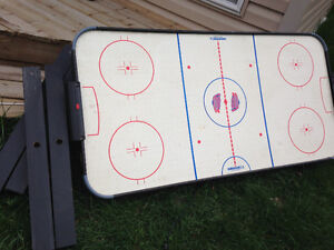 Air hockey Table Good working condition Just $30