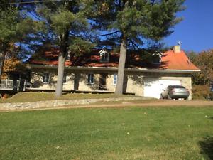 Maison canadienne à vendre avec accès au lac