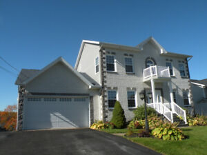 FANTASTIC LAKEFRONT HOME JUST 20 MINUTES TO HALIFAX