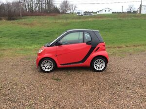 2011 Smart Car Passion model with only 22,300 Kms!!