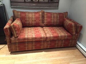 Divan lit divan et futon dans ville de montr al for Divan montreal