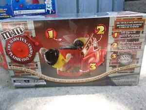 M&M's dispensers Stratford Kitchener Area image 4