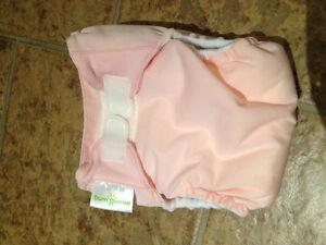 Couche lavable rose médiun Bum Genuis tout-en-un avec poche