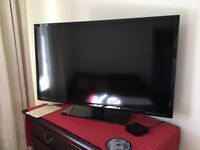 "40"" E-motion flat screen TV <1 yr old"