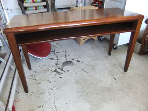 solid walnut sofa table with shelf space in exc cond