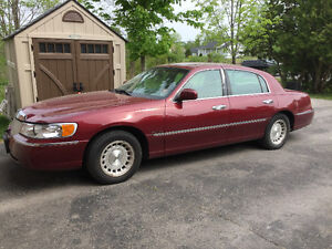 1998 Lincoln Town Car Executive Series
