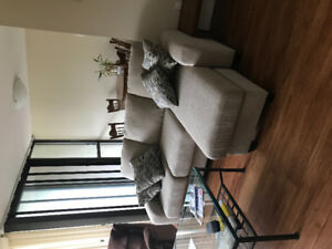 Room to rent, 2bdr 1 bath Ontario st, avail June 1st