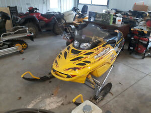 2002 skidoo mxz 800 has rer and estart parting out