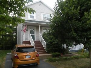 BEDFORD GREAT FAMILY HOME 3-4 BDRM FANTASTCI LOCATION