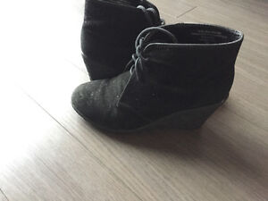 NEW! Black ankle boots