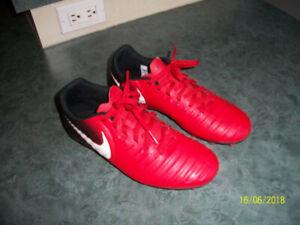 Soulier de soccer Nike 6.5