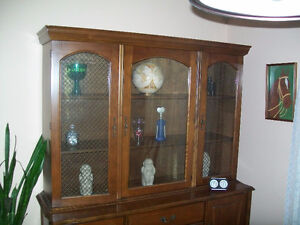 BUFFET AND HUTCH WITH 4 CHAIRS