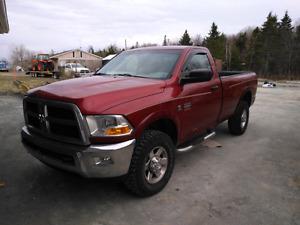 2011   Dodge ram  2500 diesel 4 x4
