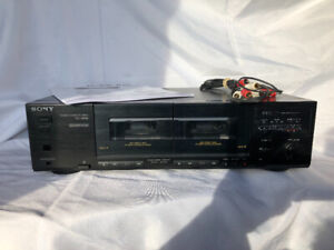 Sony stereo double cassette deck. TC-W32. $40