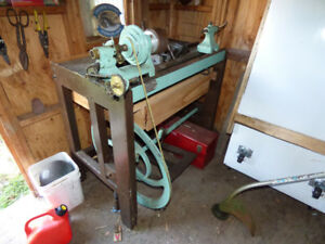 Antique H.W. Petrie machinist lathe