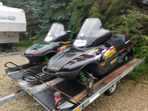 WANTED SNOWMOBILE COVER  and arctic cat tracks ......$$$