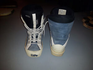 FLOW snowboard boots