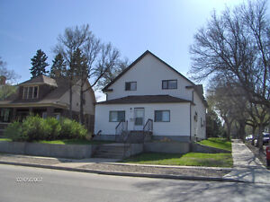 1 bedroom apartment for rent - available May 1