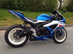2009 Suzuki GSXR600. Your new bike is sick AF!