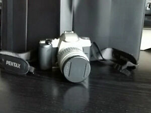 PENTAX MZ-30 35mm SLR Auto Focus Camera w FA 28-80mm