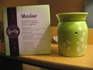 Scentsy Burner - Meadow (NEW)