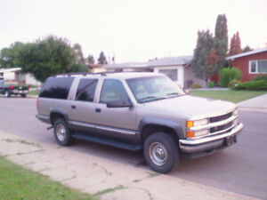 99 Suburban 2500. ROAD TRIP!! Family weekend in comfort!