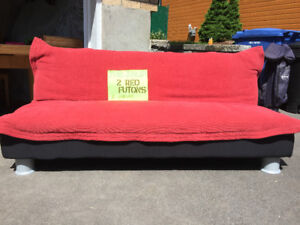 2 Red Futons / 2 Futons Rouges