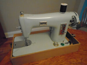 Sewing Machine: Brother Sewing Machine - Perfect working order