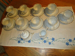 VINTAGE WALBRZYCH CHINA TEA CUPS, SAUCERS AND MIL AND SUGAR