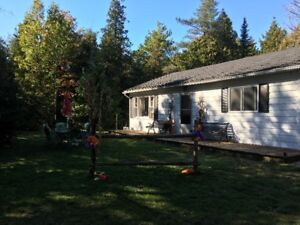 BOOK NOW AND SAVE!! PRIME LOCATION SAUBLE BEACH COTTAGE FOR RENT