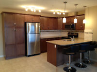 Lovely 2 bedroom, 2 bath, 2 parking spaces in Cranston!