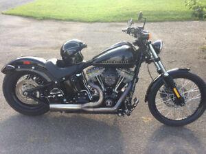 Harley Blackline 2012 peu de km