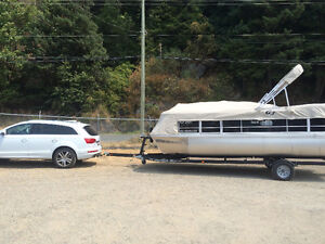 Near-new 20ft pontoon boat for sale