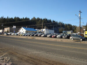 5 BAY COMMERCIAL BUILDING  PRIME HIGHWAY LOCATION 100 MILE HOUSE