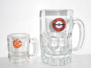 PAPA & BABY A&W ROOT BEER MUGS WITH 1940s LOGO - MINT