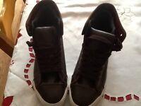 Size 10 dark brown men's new look boots £15 Ono.