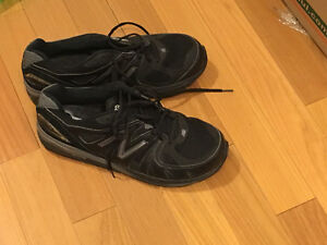Nike black running shoes - men's