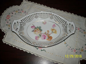 vintage bon bon candy dish with rose base and gold triim