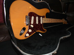 MINT CONDITION AMERICAN STANDARD FENDER STRATOCASTER West Island Greater Montréal image 2