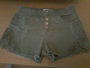 Girls shorts from ardene's size small.