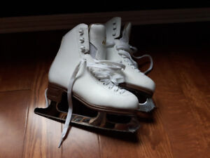 Girls size 2  brand new Jackson figure skates for sale